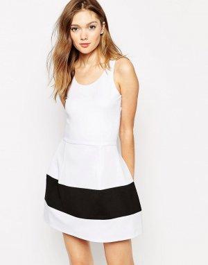 Платье-бандо со вставкой с лиственным принтом Boulee Marilyn