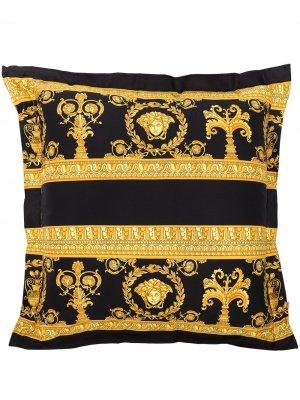 Подушка с узором Versace. Цвет: золотистый