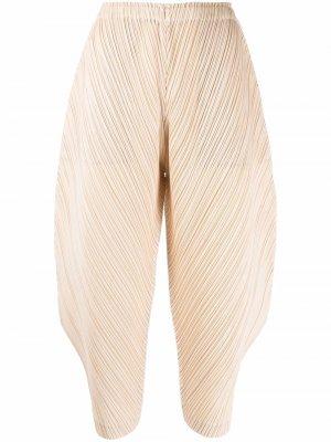 Укороченные плиссированные брюки Pleats Please Issey Miyake. Цвет: нейтральные цвета