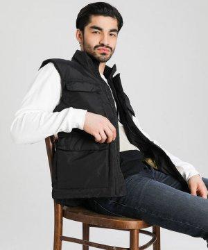 Утеплённый жилет «4 кармана» O`Stin. Цвет: черный