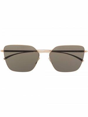 Солнцезащитные очки в квадратной оправе Mykita. Цвет: золотистый