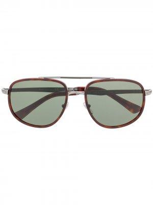 Солнцезащитные очки в массивной оправе Persol. Цвет: серый