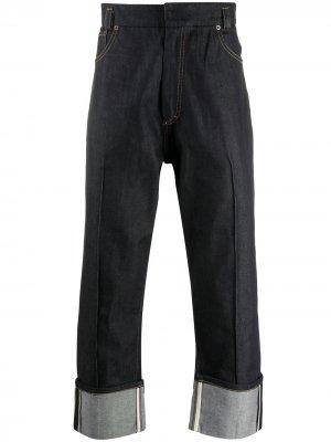 Укороченные джинсы широкого кроя PACE. Цвет: синий