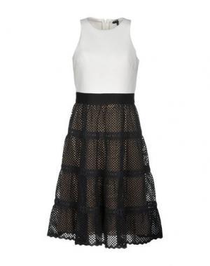 Платье до колена CATHERINE DEANE. Цвет: белый