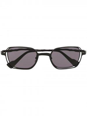 Солнцезащитные очки в прямоугольной оправе Kuboraum. Цвет: черный