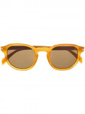 Солнцезащитные очки в прямоугольной оправе Eyewear by David Beckham. Цвет: коричневый