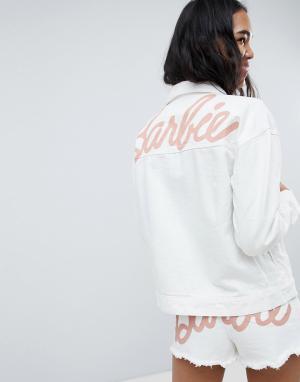 Джинсовая куртка с логотипом Barbie Missguided. Цвет: белый