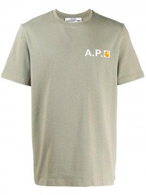 Футболка с логотипом A.P.C.. Цвет: зеленый