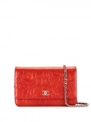 Сумка через плечо Camellia WOC Chanel Pre-Owned. Цвет: красный