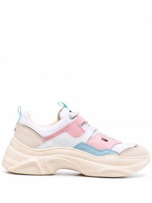 Массивные кроссовки в стиле колор-блок Tommy Jeans. Цвет: белый
