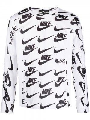 Топ с длинными рукавами и логотипом из коллаборации Nike Black Comme Des Garçons. Цвет: белый