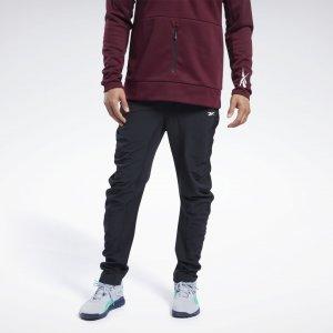 Спортивные брюки Reebok. Цвет: black