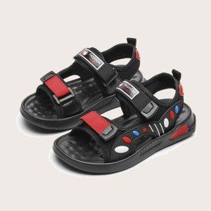 Спортивные сандалии с текстовой заплатой на липучке для мальчиков SHEIN. Цвет: многоцветный