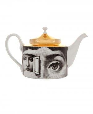 Чайник с золотистой отделкой Fornasetti. Цвет: белый
