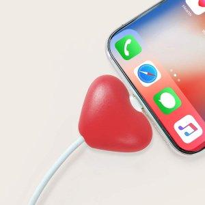 Протектор кабеля передачи данных в форме сердца SHEIN. Цвет: красный