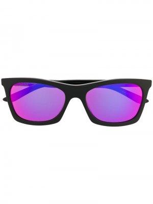 Солнцезащитные очки трапецевидной формы Balenciaga Eyewear. Цвет: черный