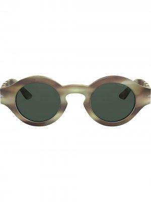 Солнцезащитные очки в круглой оправе Giorgio Armani. Цвет: зеленый