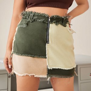Размера плюс Джинсовая юбка Контрастный SHEIN. Цвет: многоцветный