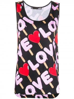 Топ без рукавов с логотипом и принтом Love Moschino. Цвет: черный