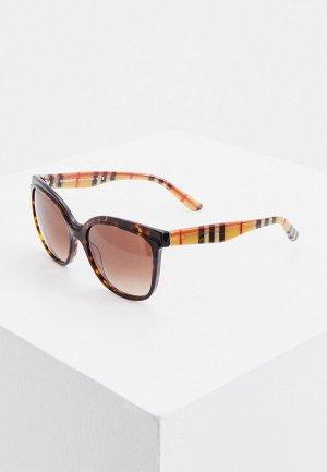 Очки солнцезащитные Burberry BE4270 390313. Цвет: коричневый