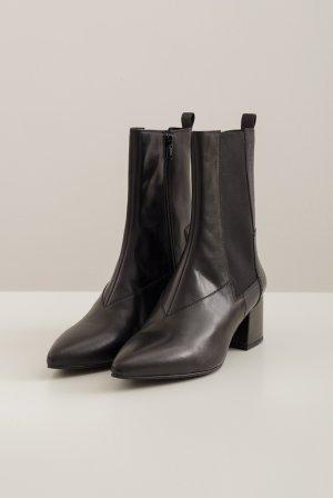 Ботинки VAGABOND. Цвет: черный