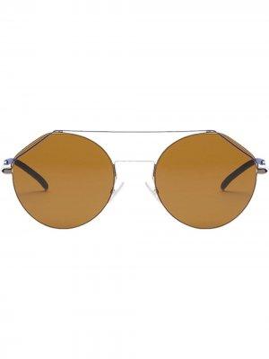 Солнцезащитные очки FendiFiend в круглой оправе Fendi Eyewear. Цвет: золотистый