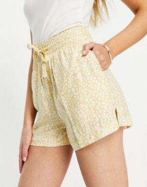 Желтые пляжные шорты с цветочным принтом от комплекта Lindy-Желтый Monki