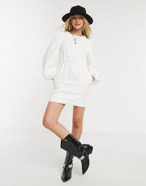 Белое платье с присборенной юбкой и большим воротником x Lorna Luxe-Черный цвет In The Style