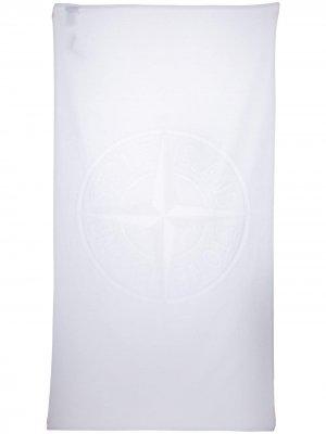 Полотенце с логотипом Stone Island. Цвет: белый