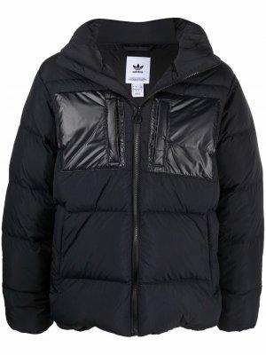 Пуховик Regen с капюшоном adidas. Цвет: черный