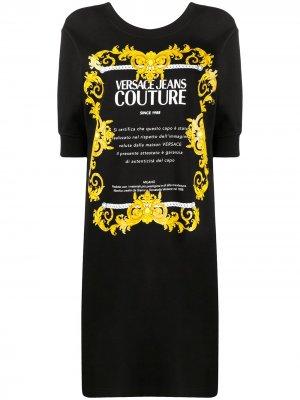 Платье-футболка с логотипом Versace Jeans Couture. Цвет: черный