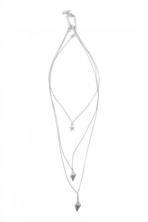 Тройное серебристое колье с подвесками Aqua. Цвет: серебряный