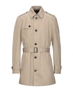 Пальто HUGO BOSS. Цвет: бежевый