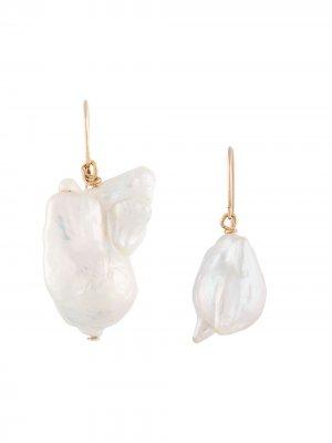 Серьги-подвески с жемчугом Carolina Herrera. Цвет: белый