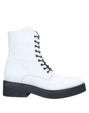 Полусапоги и высокие ботинки FRU.IT. Цвет: белый