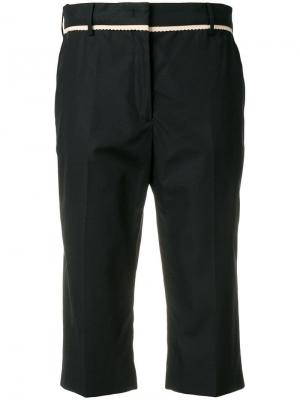 Укороченные классические брюки Nº21. Цвет: черный