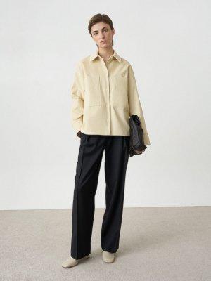 Рубашка Edna с большими карманами. Цвет: молочный