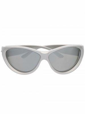 Солнцезащитные очки Swift в оправе кошачий глаз Balenciaga Eyewear. Цвет: серый