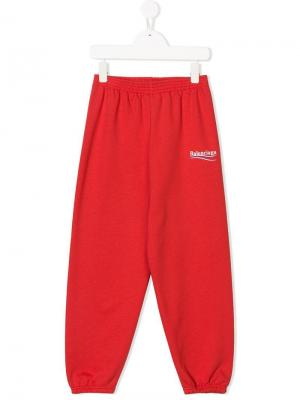 Спортивные брюки с логотипом Balenciaga Kids. Цвет: красный