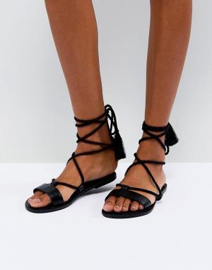 Кожаные сандалии с завязками ASOS FIRE DESIGN. Цвет: черный