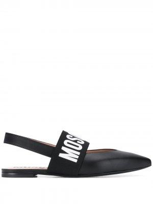 Балетки с заостренным носком и логотипом Moschino. Цвет: черный