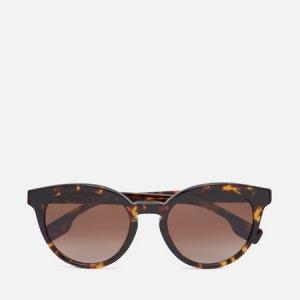 Солнцезащитные очки Amelia Burberry. Цвет: коричневый