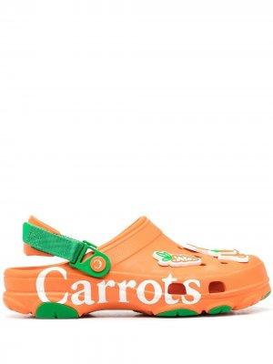 Клоги Classic из коллаборации с Carrots Crocs. Цвет: оранжевый