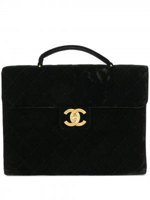 Стеганый портфель 1992-го года с логотипом CC Chanel Pre-Owned. Цвет: черный
