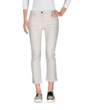 Джинсовые брюки-капри BRUNELLO CUCINELLI. Цвет: слоновая кость