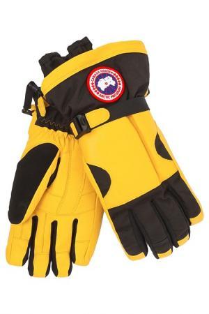 Перчатки Canada Goose. Цвет: желтый