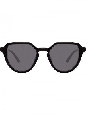 Солнцезащитные очки в овальной оправе Linda Farrow. Цвет: черный