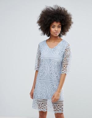 Кружевное платье с рукавами 3/4 Darling. Цвет: синий