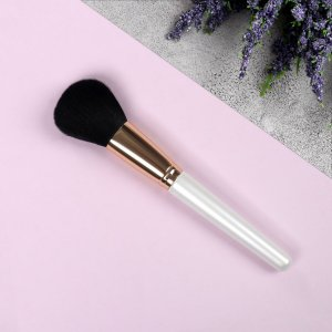 Кисть для макияжа, 19 см, цвет золотистый/белый/чёрный Queen fair