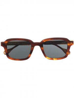 Солнцезащитные очки Studio в оправе черепаховой расцветки Etudes. Цвет: коричневый